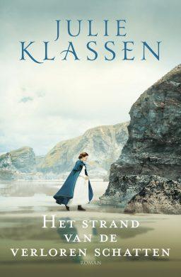 Het strand van de verloren schatten geschreven door Julie Klassen